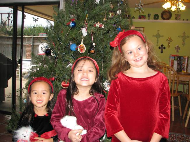 Steffi (5), Mollie (7), and Sophie (7)